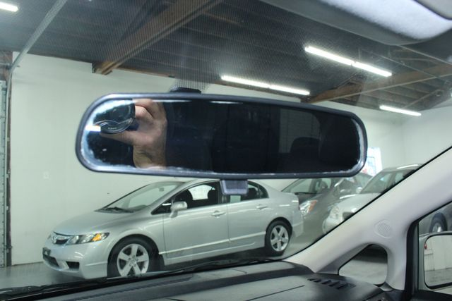 2008 Nissan Versa 1.8 SL Hatchback Kensington, Maryland 67