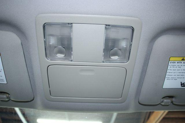 2008 Nissan Versa 1.8 SL Hatchback Kensington, Maryland 68