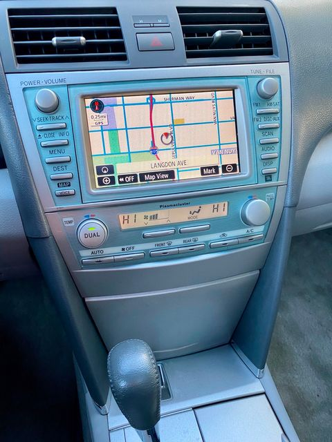 2008 Toyota CAMRY HYBRID NAVIGATION LEATHER NEW TIRES SERVICE RECORDS XLNT CONDITION in Van Nuys, CA 91406