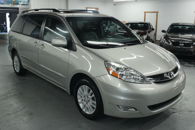 2008 Toyota Sienna XLE Limited AWD Kensington, Maryland 6