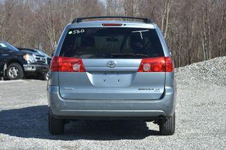 2008 Toyota Sienna LE Naugatuck, Connecticut 3