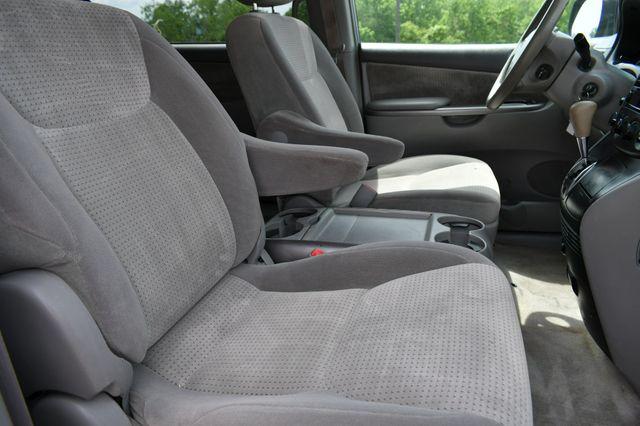 2008 Toyota Sienna LE Naugatuck, Connecticut 10