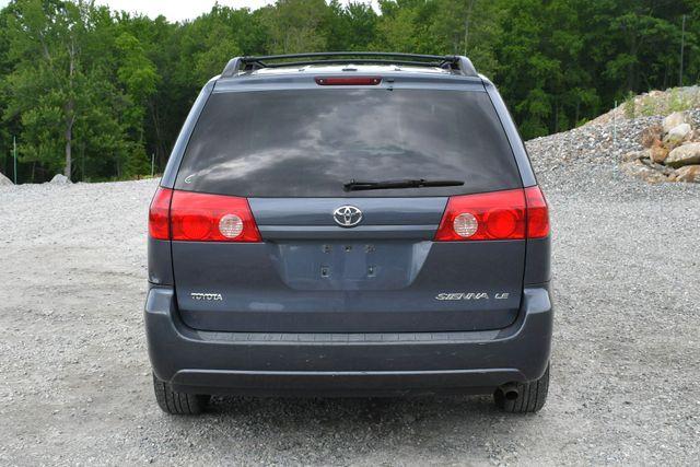 2008 Toyota Sienna LE Naugatuck, Connecticut 5