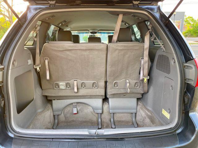 2008 Toyota Sienna LE W/ Leather Seats New Brunswick, New Jersey 14