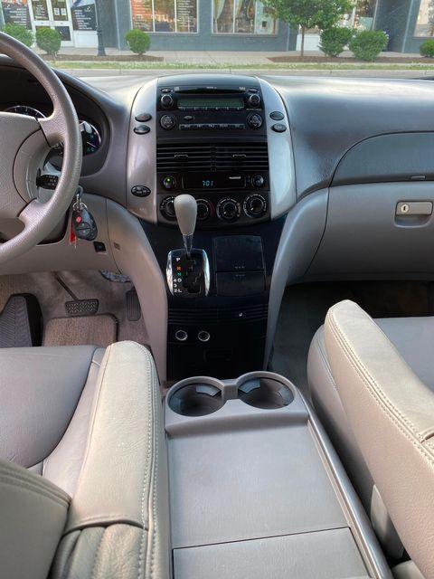 2008 Toyota Sienna LE W/ Leather Seats New Brunswick, New Jersey 17