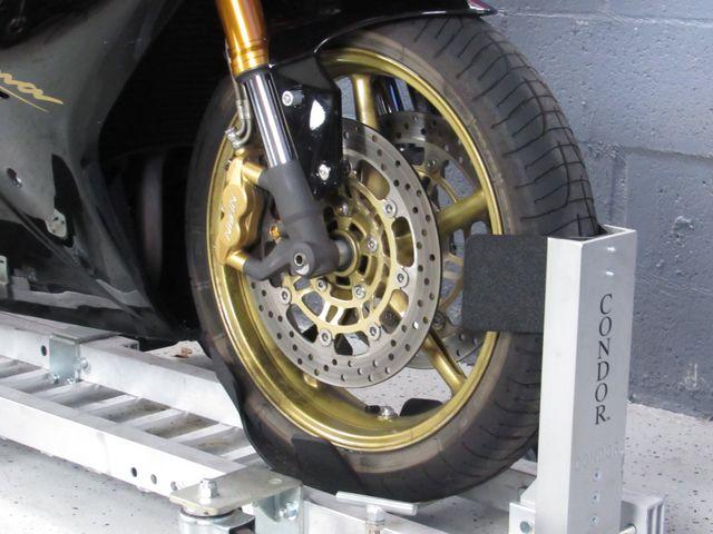 2008 Triumph Daytona 675 in Dania Beach , Florida 33004