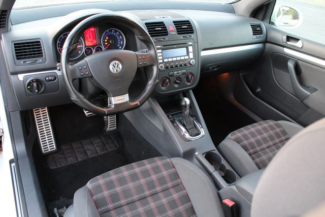 """2008 Volkswagen GTI 2.0T HATCHBACK DSG AUTOMATIC 18"""" ALLOY WHLS NEW TIRES SERVICE RECORDS in Woodland Hills CA, 91367"""