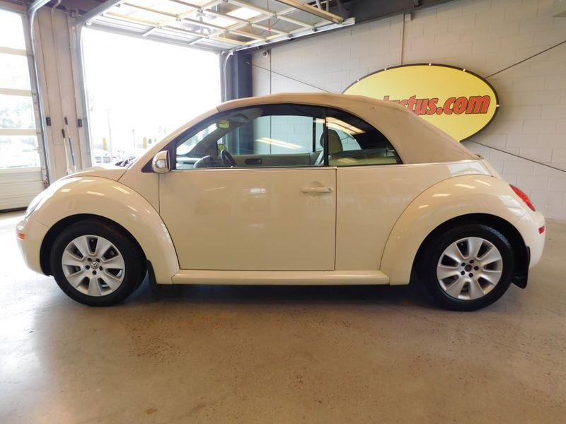 2008 Volkswagen New Beetle S  city TN  Doug Justus Auto Center Inc  in Airport Motor Mile ( Metro Knoxville ), TN