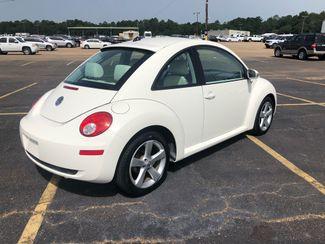 2008 Volkswagen New Beetle Triple White Flowood, Mississippi 1