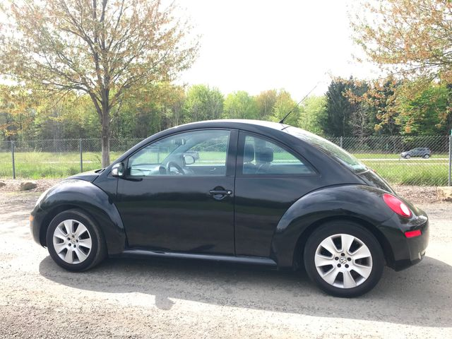 2008 Volkswagen New Beetle S Ravenna, Ohio 1