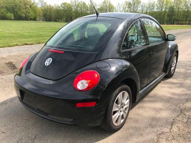 2008 Volkswagen New Beetle S Ravenna, Ohio 3