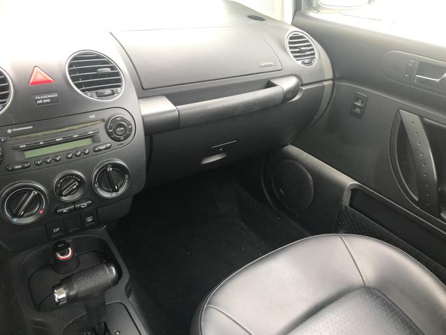 2008 Volkswagen New Beetle S Ravenna, Ohio 9