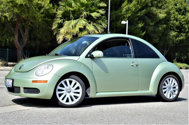 2008 Volkswagen New Beetle SE in Reseda, CA, CA 91335