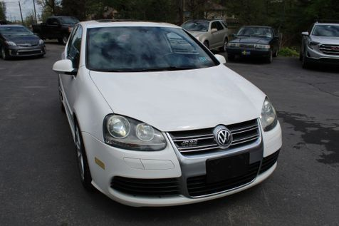 2008 Volkswagen R32 cpe in Shavertown