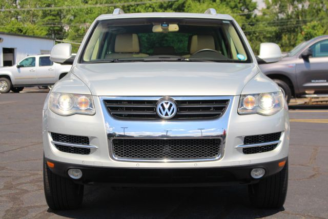 2008 Volkswagen Touareg 2 V6 4WD - LUX PLUS PKG - HEATED FRONT/REAR LEATHER! Mooresville , NC 16