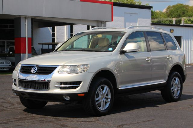 2008 Volkswagen Touareg 2 V6 4WD - LUX PLUS PKG - HEATED FRONT/REAR LEATHER! Mooresville , NC 22