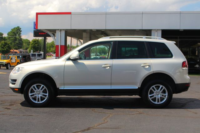 2008 Volkswagen Touareg 2 V6 4WD - LUX PLUS PKG - HEATED FRONT/REAR LEATHER! Mooresville , NC 15