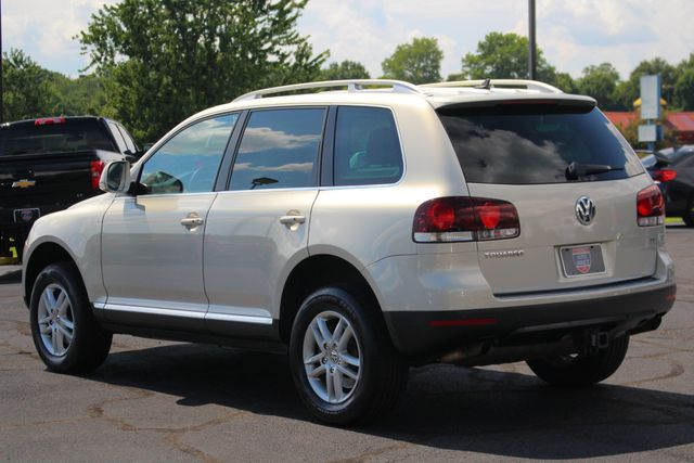 2008 Volkswagen Touareg 2 V6 4WD - LUX PLUS PKG - HEATED FRONT/REAR LEATHER! Mooresville , NC 24