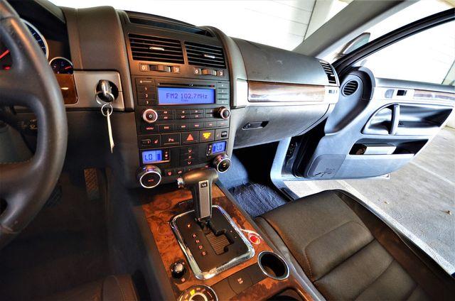 2008 Volkswagen Touareg 2 V6 in Reseda, CA, CA 91335