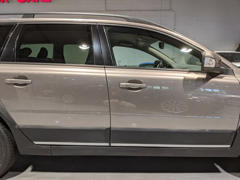 2008 Volvo XC70   Lake Forest IL  Executive Motor Carz  in Lake Forest, IL