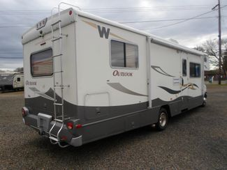 2008 Winnebago Outlook 31H Salem, Oregon 1