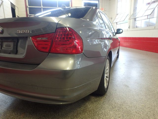 2009 Bmw 328 X-Drive TIGHT & SOLID,  READY TO ROLL Saint Louis Park, MN 27