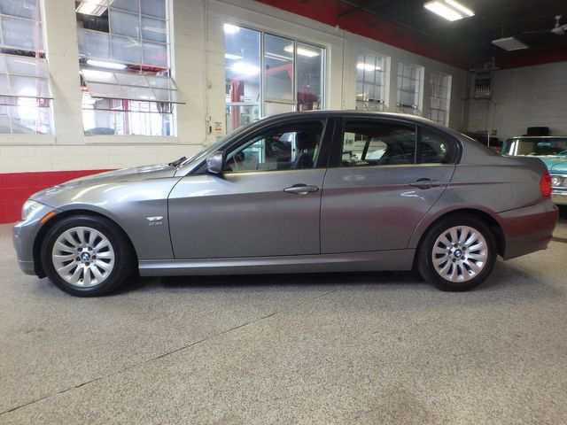 2009 Bmw 328 X-Drive TIGHT & SOLID,  READY TO ROLL Saint Louis Park, MN 9