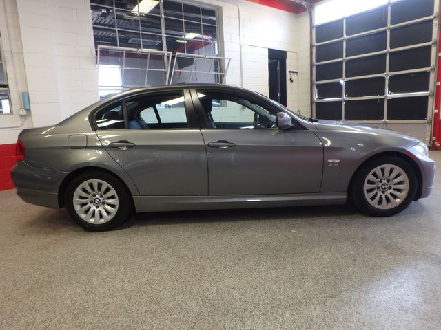 2009 Bmw 328 X-Drive TIGHT & SOLID,  READY TO ROLL Saint Louis Park, MN 1