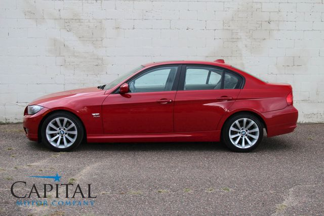 2009 BMW 328xi xDrive AWD Sport Sedan w/Navigation, Moonroof, 6-Speed Manual and VERY Low Miles in Eau Claire, Wisconsin 54703