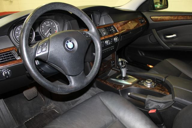 2009 Bmw 528i X-Drive,Heated St Wheel, VERY CLEAN &  TIGHT. Saint Louis Park, MN 2