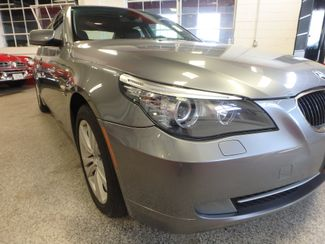 2009 Bmw 528 X-Drive, SHARP! NEW BRAKES . READY TO GO! Saint Louis Park, MN 17