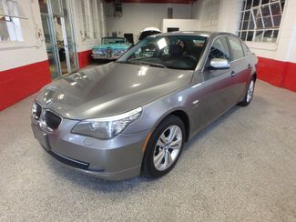 2009 Bmw 528 X-Drive, SHARP! NEW BRAKES . READY TO GO! Saint Louis Park, MN 7