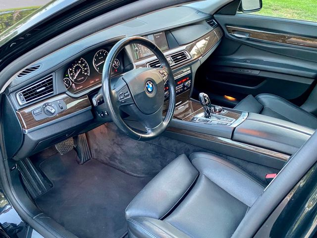 2009 BMW 750Li LOADED 52K MLS NAVIGATION NEW TIRES SERVICE RECORDS in Van Nuys, CA 91406