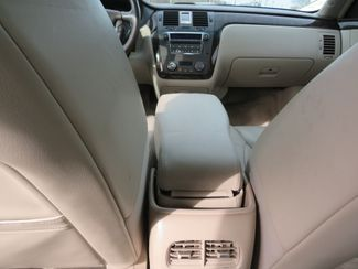 2009 Cadillac DTS w/1SB Batesville, Mississippi 25