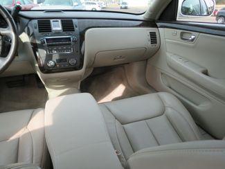 2009 Cadillac DTS w/1SB Batesville, Mississippi 24