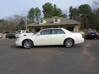2009 Cadillac DTS w/1SB Batesville, Mississippi 3