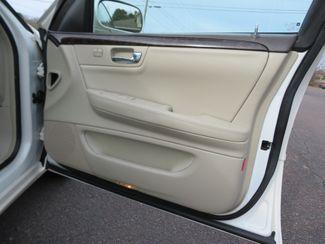 2009 Cadillac DTS w/1SB Batesville, Mississippi 30