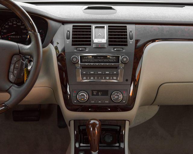 2009 Cadillac DTS w/1SC Burbank, CA 16