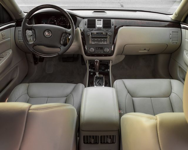 2009 Cadillac DTS w/1SC Burbank, CA 14