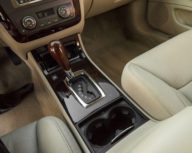 2009 Cadillac DTS w/1SC Burbank, CA 19