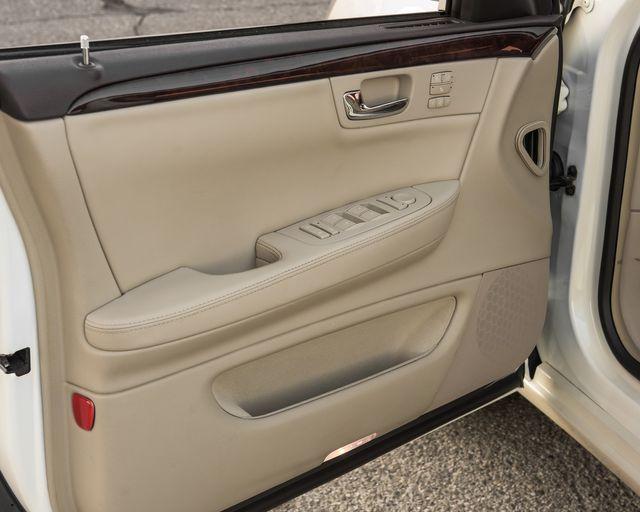 2009 Cadillac DTS w/1SC Burbank, CA 20