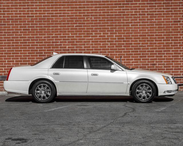 2009 Cadillac DTS w/1SC Burbank, CA 4