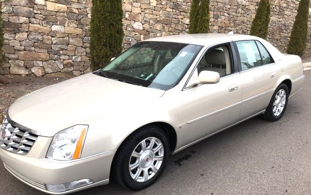 2009 Cadillac-2 Owner!!! Service Records!! DTS-SHOWROOM CONDITION!!  CARMARTSOUTH.COM-112K!! Knoxville, Tennessee 5