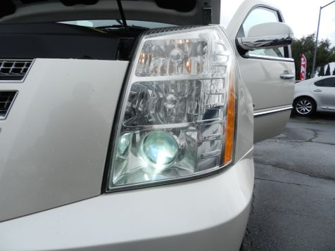 2009 Cadillac ESCALADE LUXURY *AWD*-NAVI/BACK UP CAM-HEATED/COOLED SEATS  in Campbell, CA