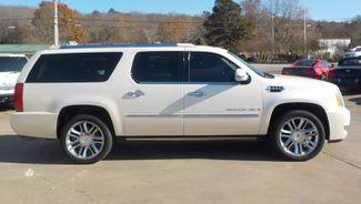 2009 Cadillac Escalade ESV Platinum Edition Fayetteville , Arkansas 3