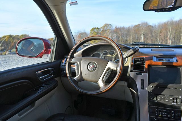 2009 Cadillac Escalade ESV Platinum Edition Naugatuck, Connecticut 16