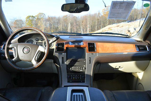 2009 Cadillac Escalade ESV Platinum Edition Naugatuck, Connecticut 17