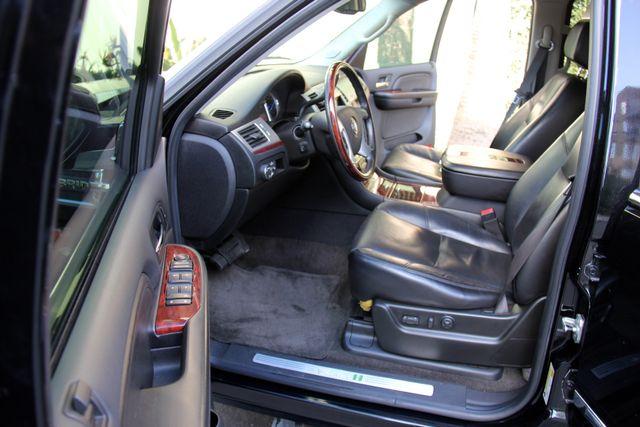 2009 Cadillac Escalade Hybrid Platinum Edition Reseda, CA 16