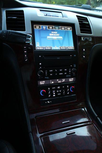 2009 Cadillac ESCALADE HYBRID NAVIGATION DVD LIFETIME HYBRID BATTERY SERVICE RECORDS in Van Nuys, CA 91406