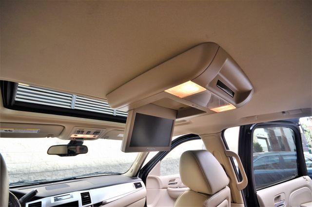2009 Cadillac Escalade LUXURY Reseda, CA 13